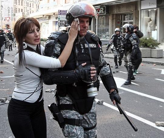 SERVIA-gay-policial-20101010-afp-G