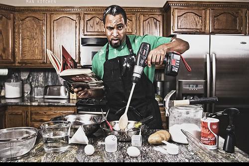 homem-atrapalhado-cozinha