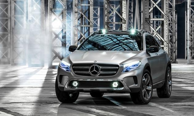 Mercedes-Benz-GLA-SUV-concept-Shanghai-motor-show-front-3-4-lights