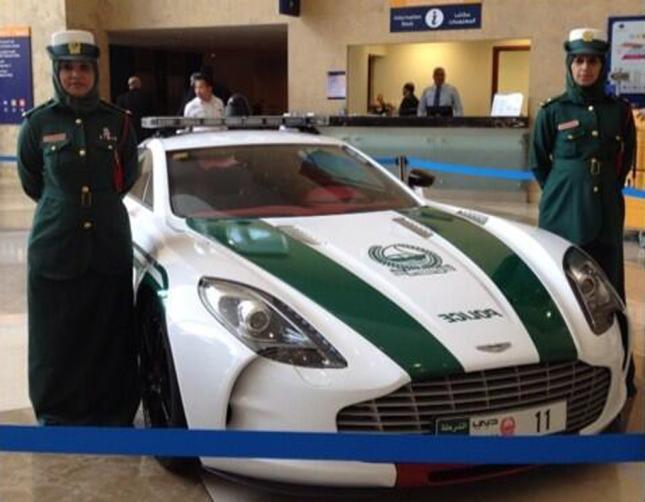 aston-martin-one-77-police-car--image-dubai-police_100426319_l