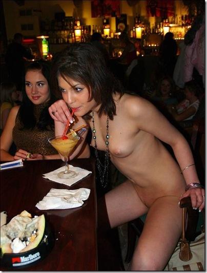 Mulher pelada no bar (2)[2]