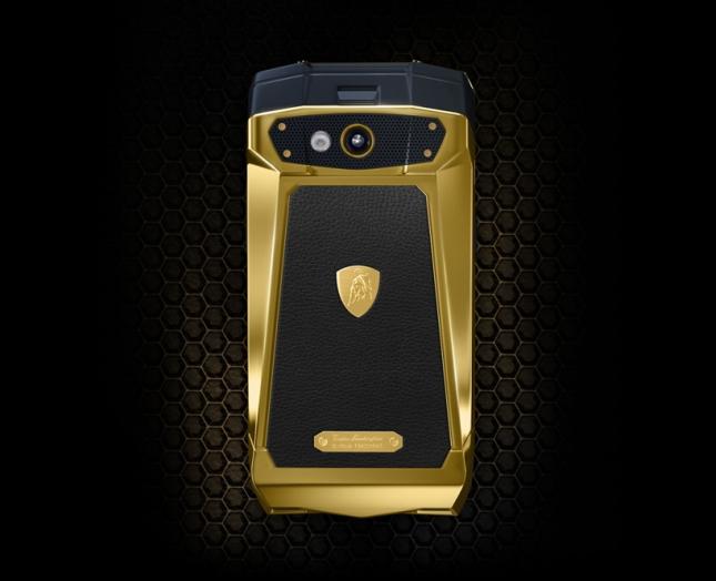 tonino-lamborghini-antares-smartphone-designboom03